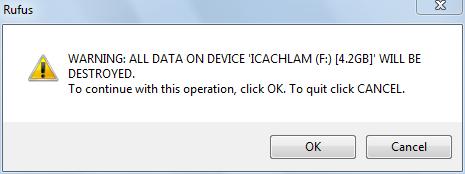 Bấm OK để xác nhận xóa dữ liệu trong USB
